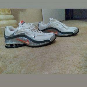 Nike reax 5 womens 7.5